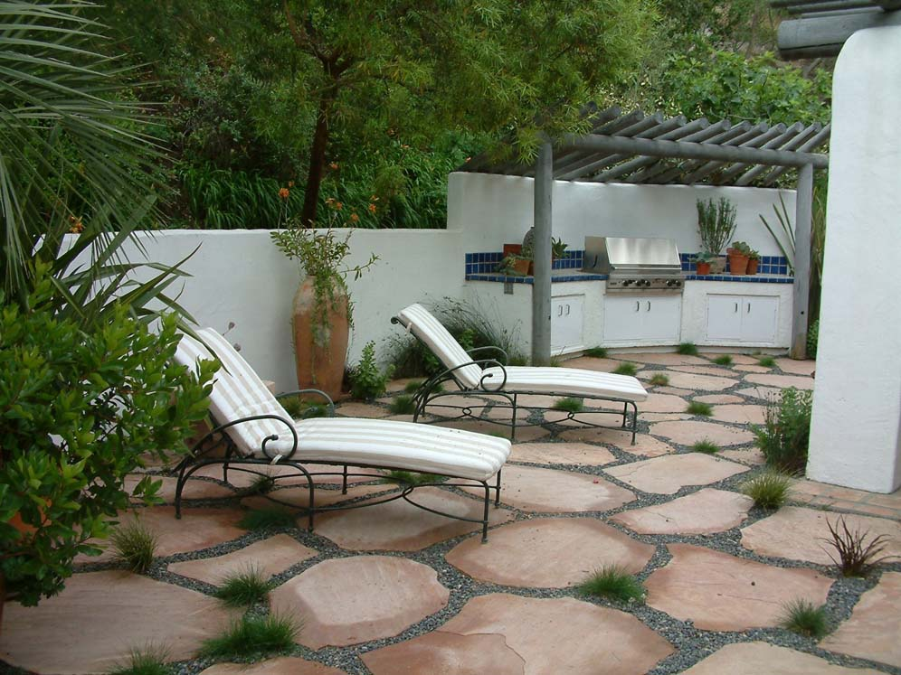 Outdoor Kitchen and Relaxing
